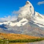 Calendario de alpinismo-cuando escalar las montañas más grandes del mundo- cuerno de la materia