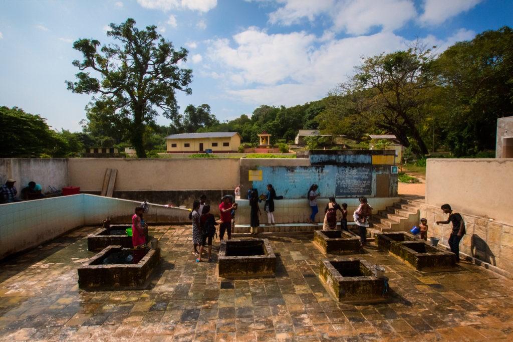 Cosas para hacer en Trincomalee-Sri-Lanka-Kanniya-hot-springs