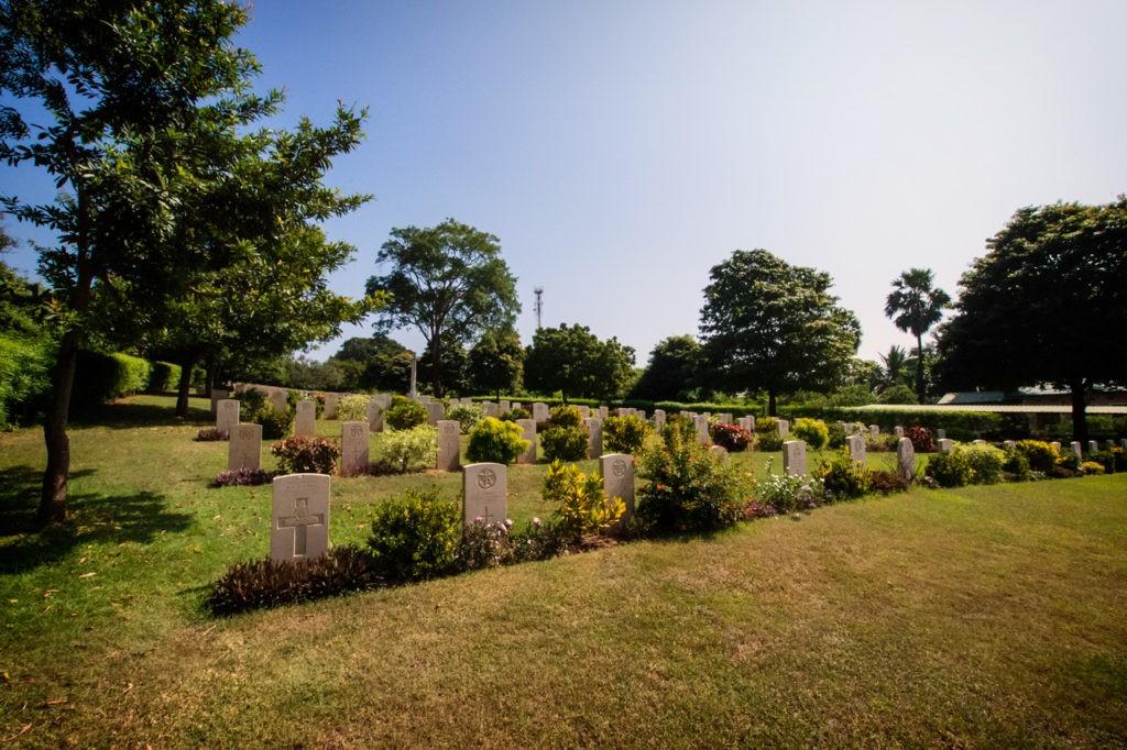 Cosas para hacer en el cementerio de la guerra de Sri Lanka