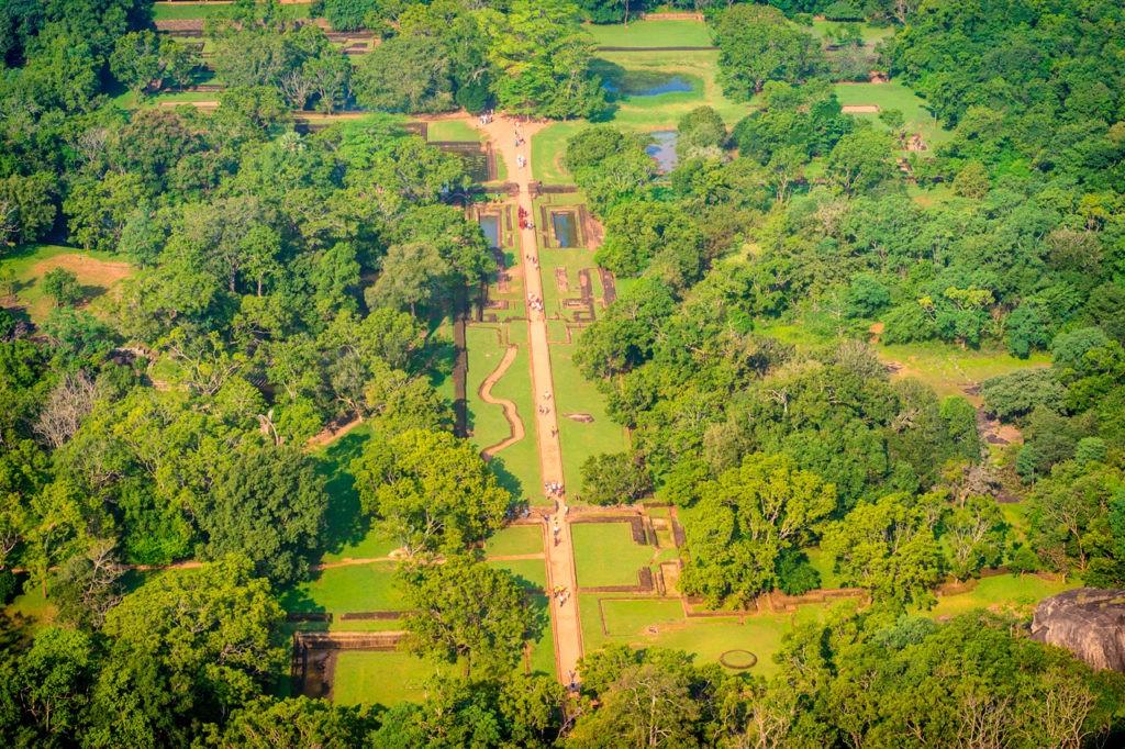 Los extensos terrenos de la Fortaleza de la Roca Sigiriya