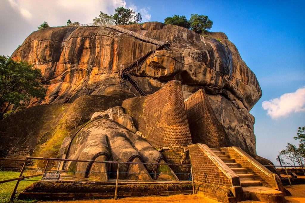 Patas de león en la Fortaleza de la Roca Sigiriya