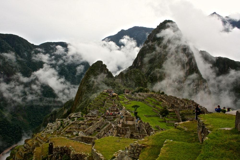 Machu Picchu usa tapas de turismo