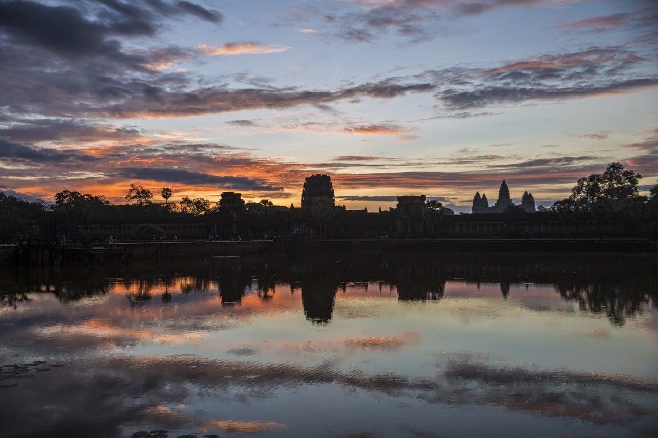 ¿Lugares como Angkor Wat estarían restringidos a los ricos frente a los límites del turismo?