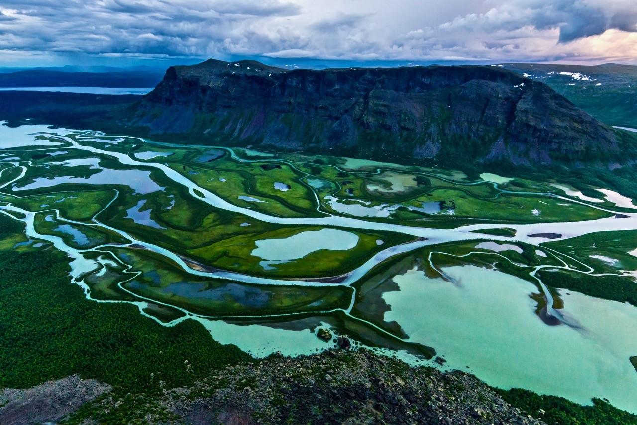 best-countries-for-hiking-sweden-national-park-dreamstime_l_60286057