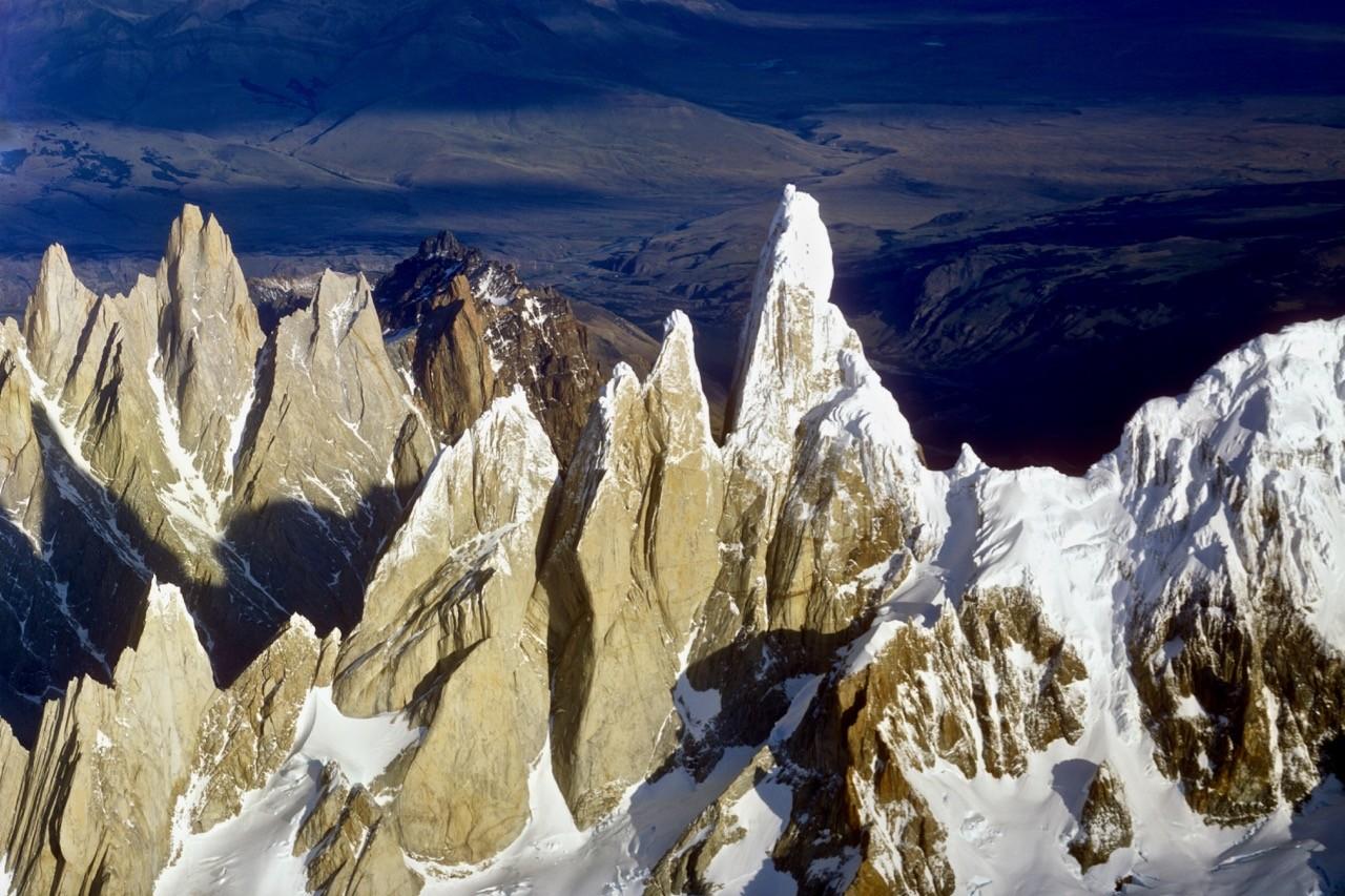 Las distintivas torres del Fitz Roy y el Cerro Torre