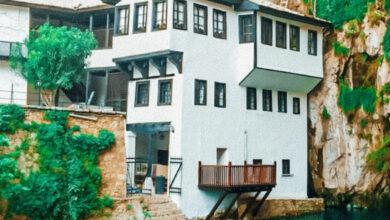 Photo of Cómo visitar Blagaj Tekija: el monasterio de Bosnia construido en un acantilado
