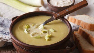Photo of Receta de Julia Child para sopa de puerro y papa, dos formas