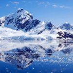 El clima frío del Ártico vs. el Antártico
